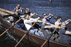 Sloop rowing